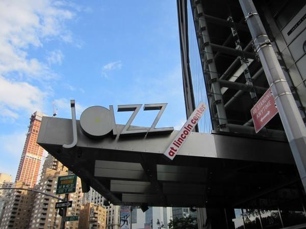 Grandes nomes do Jazz em NY, num lugar com um visual incrível!