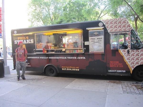Phil's Steaks, um dos vários caminhões de comida em Nova Iorque