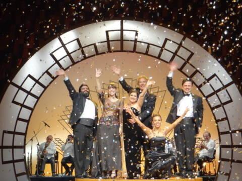 Um tour por Lisboa com o elenco do musical Sassaricando