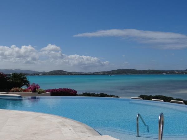 hotéis na praia para você sonhar com o próximo verão