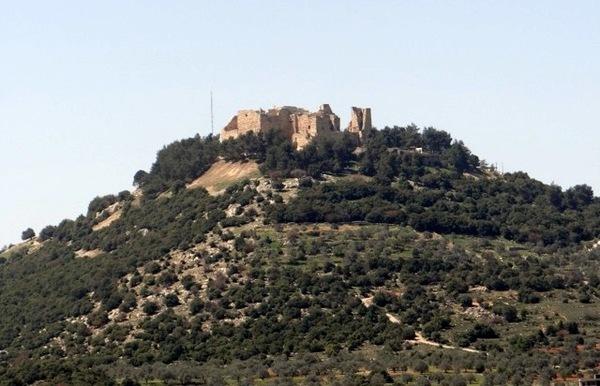 monumento antigo perto de Amã