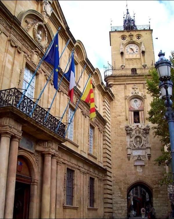 Parte antiga da cidade( Ville Comtale)