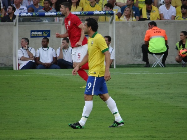amistoso brasil X inglaterra