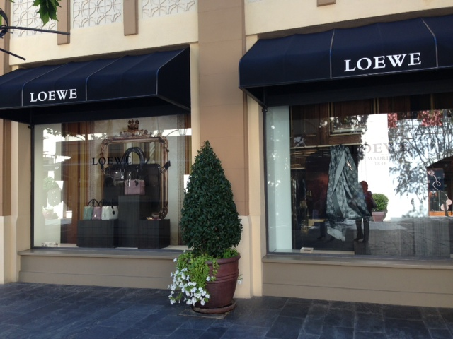 A Touch of Chic, Chic Outlet Shopping