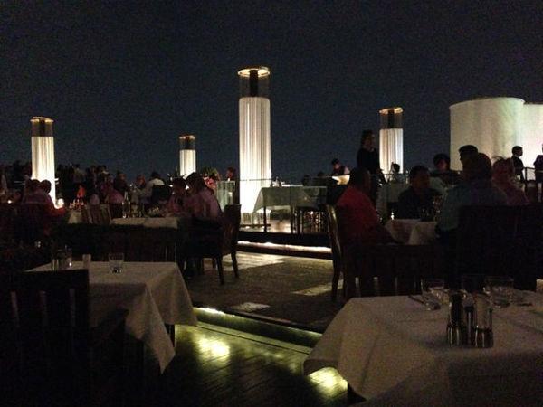 Restaurante Siroco fica próximo ao hotel Mandarin Oriental