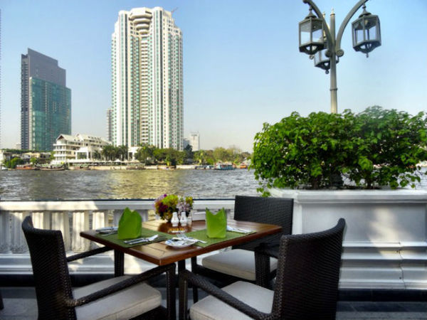 Vista para o rio Chao Phya do hotel Mandarin Oriental em Bangkok