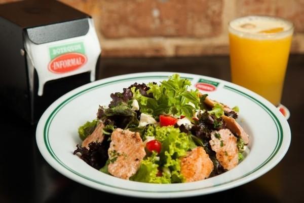 salada com salmao