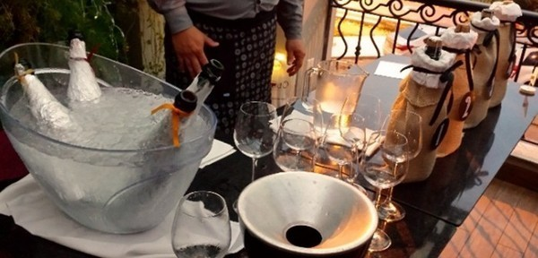 Degustação de vinho às cegas no Cavist