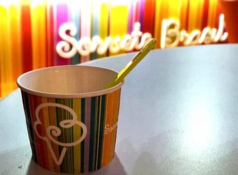 lançamento do sorvete de espumante