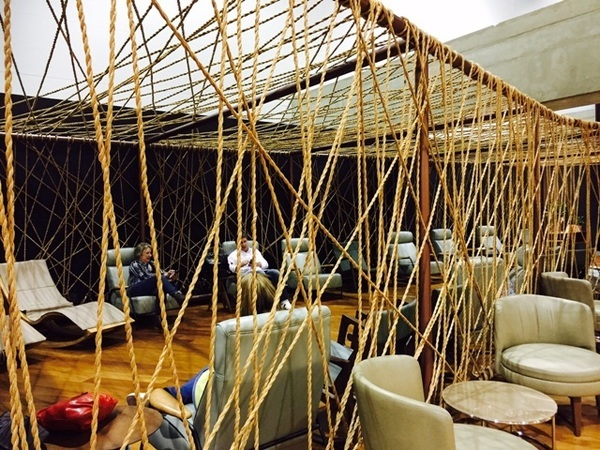 Área de descanso no lounge da Star Alliance