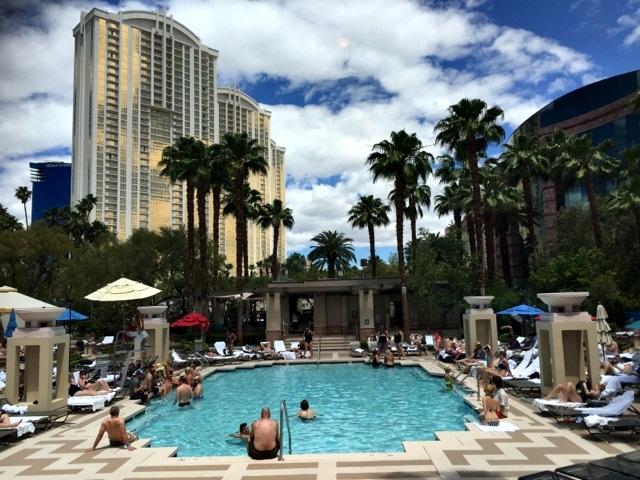 piscina mgm grand