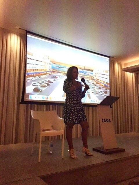 Renata Araujo faz palestra sobre viagem