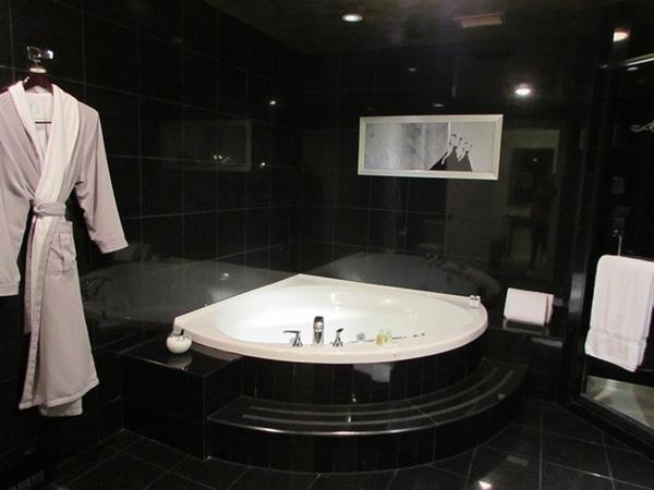 Luxo no Loews Vogue Hotel em Montreal