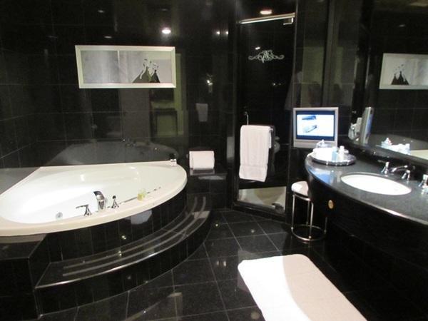 Luxo no Loews Vogue Hotel em Montreal 7