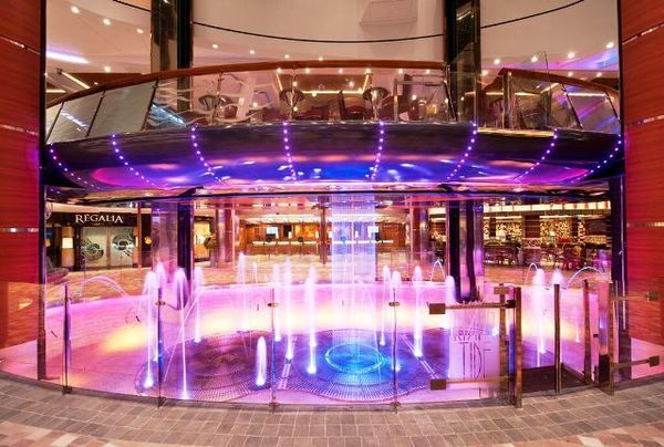 allure of the seas, o maior navio do mundo 6