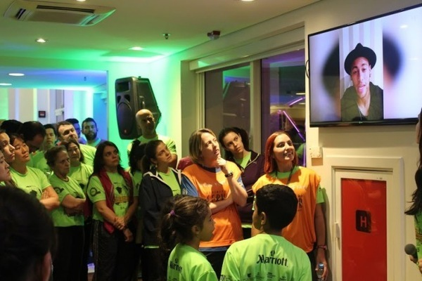 Rede Marriott International doa brinquedos para o Instituto Neymar Jr