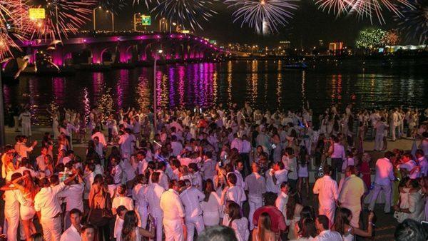 f43acb7ec875 Festa de Reveillón em Miami | You Must Go!
