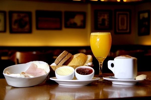 onde tomar café da manhã dia 2