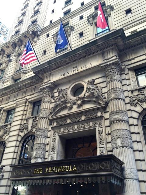 O luxuoso hotel The Peninsula um dentre os melhores hotéis de NY