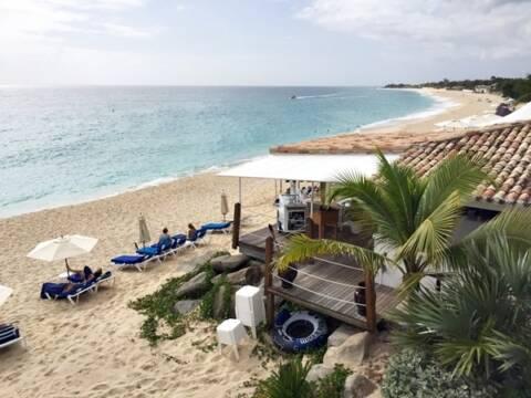 Aniversário em Saint Martin, no Caribe