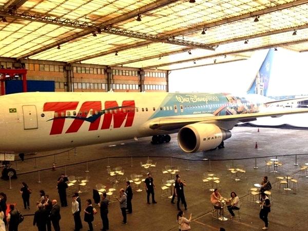 Disney e TAM lançam avião temático em Brasília 6