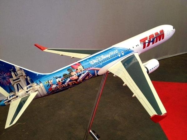 Disney e TAM lançam avião temático em Brasília 8