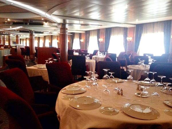 Almoço no Regent Seven Seas Mariner 7