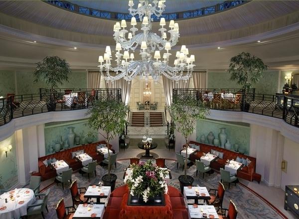 Almoço no Hotel Shangrila em Paris