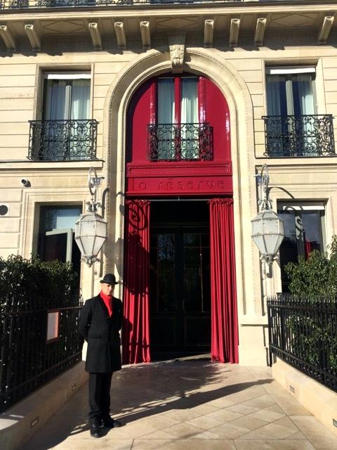 Almoço no Hotel La Reserve, em Paris