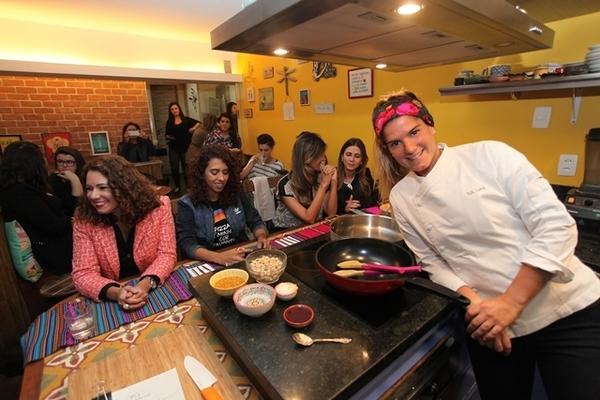 Aula de culinária com a chef Tati Lund, do Org Bistrô