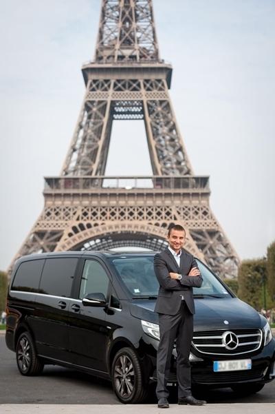 Motorista brasileiro e city tour em Paris