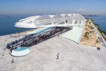 Vista aérea do Museu do Amanhã na Praça Mauá, Rio de Janeiro