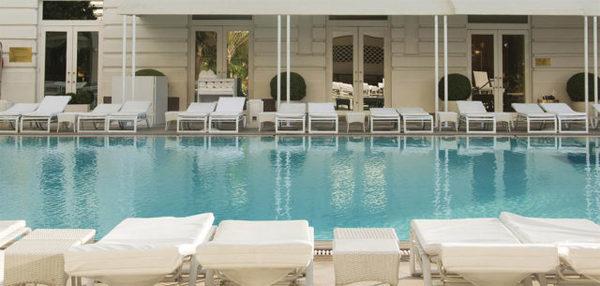 A famosa piscina do Copacabana Palace