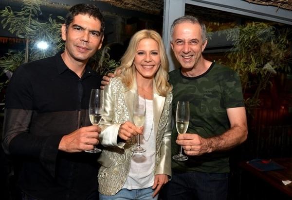 Lançamento do espumante da cantora Paula Toller