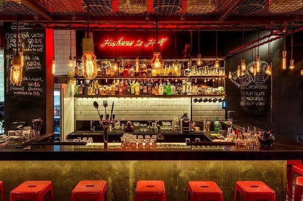 5 bares em botafogo you must go for Modelos de bares rusticos para casas
