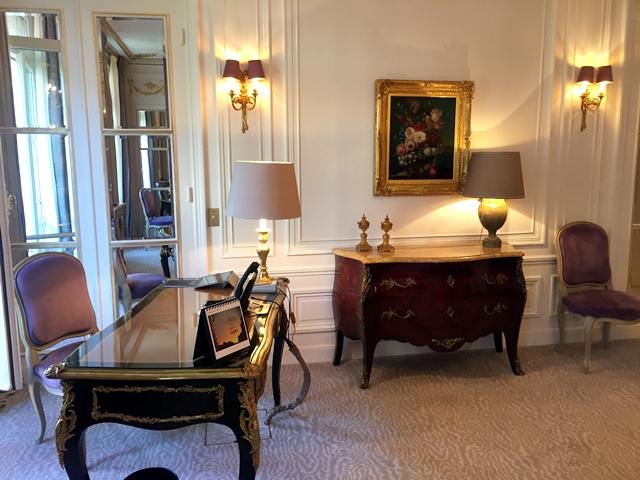 quarto em uma Hospedagem 5 estrelas em Paris