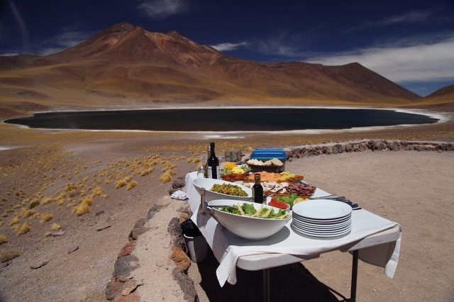mesa do almoço no deserto do Atacama