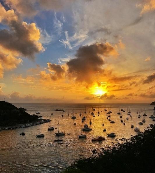 Pôr do sol em Gustavia, centro de St Barth