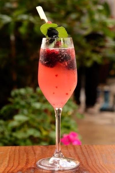 Bistrot de ParisChef - Alain PolettoPonche Champagne