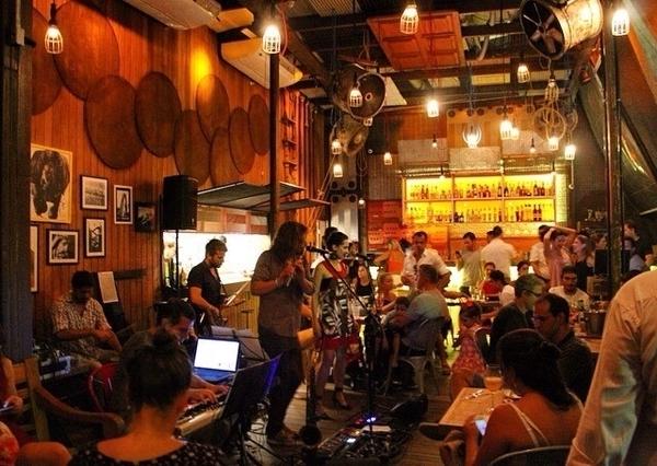 Jazz no La Nave