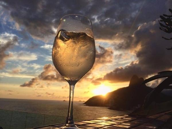 Drinques no pôr do sol