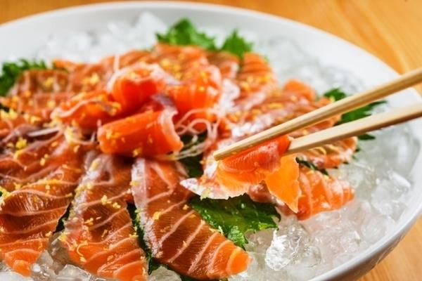 Carpaccio de barriga de salmão