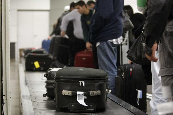 EXTRAVIO BAGAGEM SÃO PAULO 23.07.2010/ ESTADO CIDADES ESPECIAL DOMINICAL/ Matéria sobre o extravio de bagagem nos principais aeroportos brasileiros. Segundo a ENFRAERO o extravio ocorre principalmente nas áreas das esteiras, algumas vão pára em destinos,