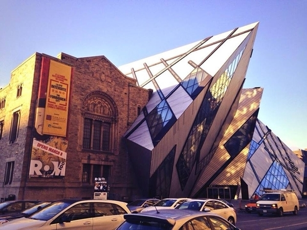 Fachada do Royal Ontario Museum