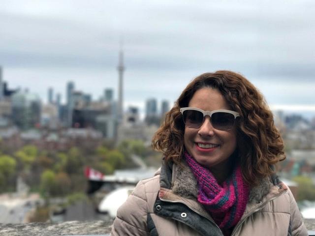 Com a linda vista da cidade