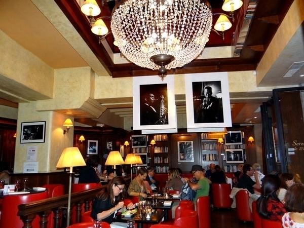 Cafés e Restaurantes em Saint-Germain