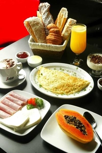 Onde tomar café da manhã dia 1º