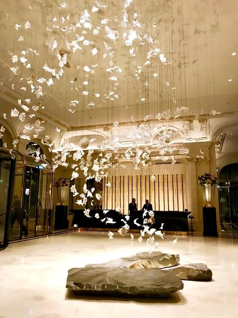 hotéis de luxo em Paris.