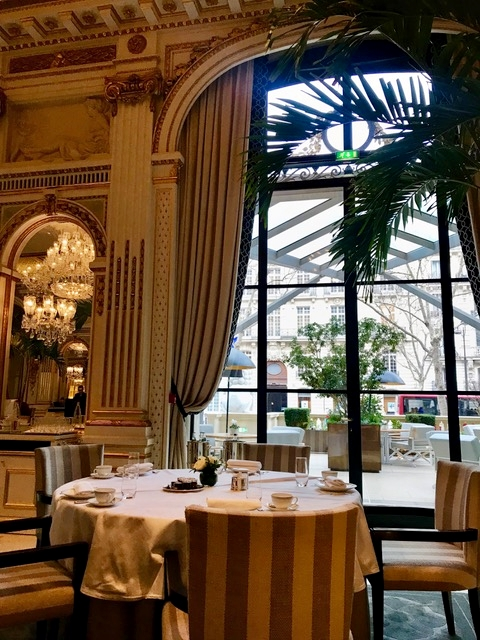 Lobby, restaurante do Peninsula Paris