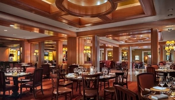 O restaurante de um doshotéis de luxo em Boston